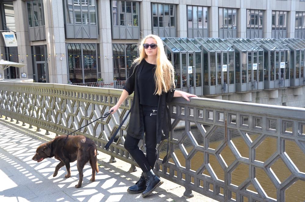 Lisa Schnatz, modeblogger, fashionblogger, dog, outfit, hamburg