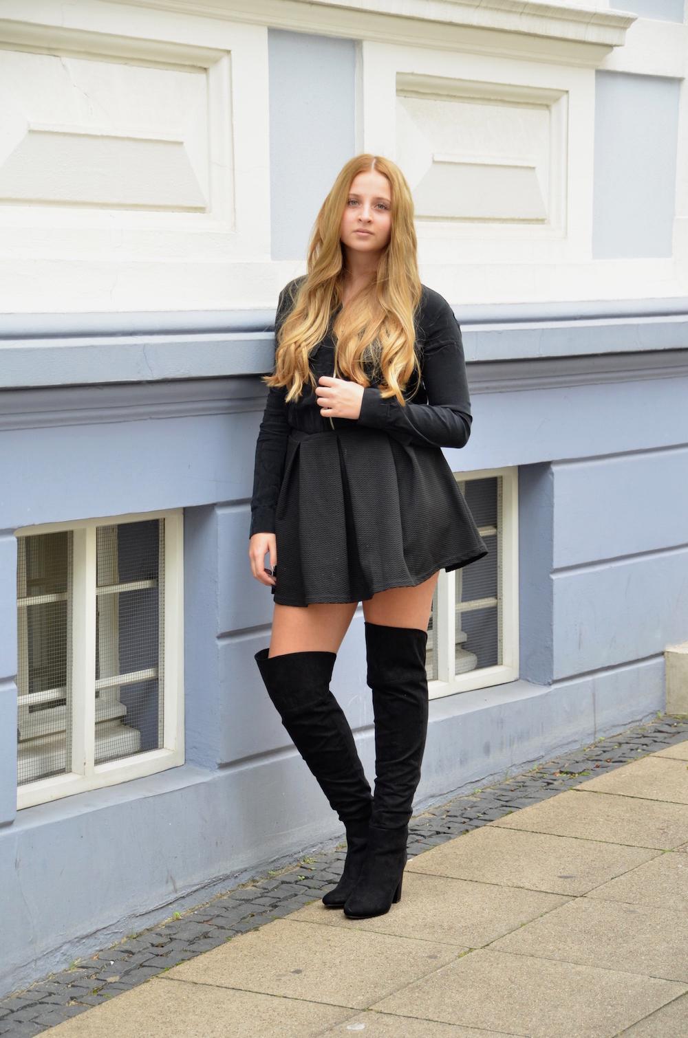 overknee boots part 2 lisa schnatz. Black Bedroom Furniture Sets. Home Design Ideas