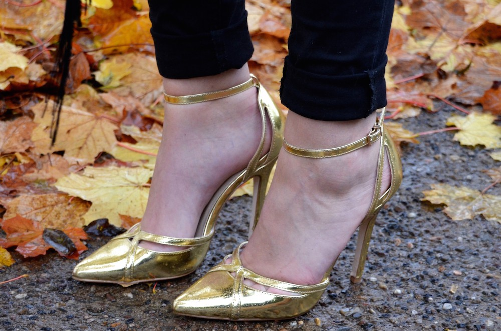 Lisa Schnatz new high heels