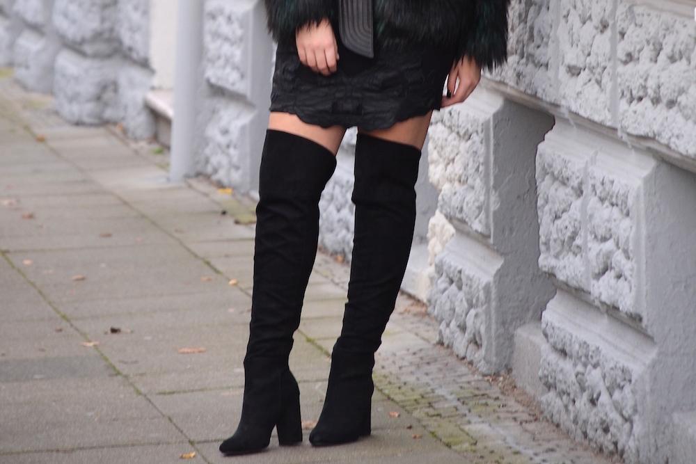 overknee boots and skirt Lisa Schnatz